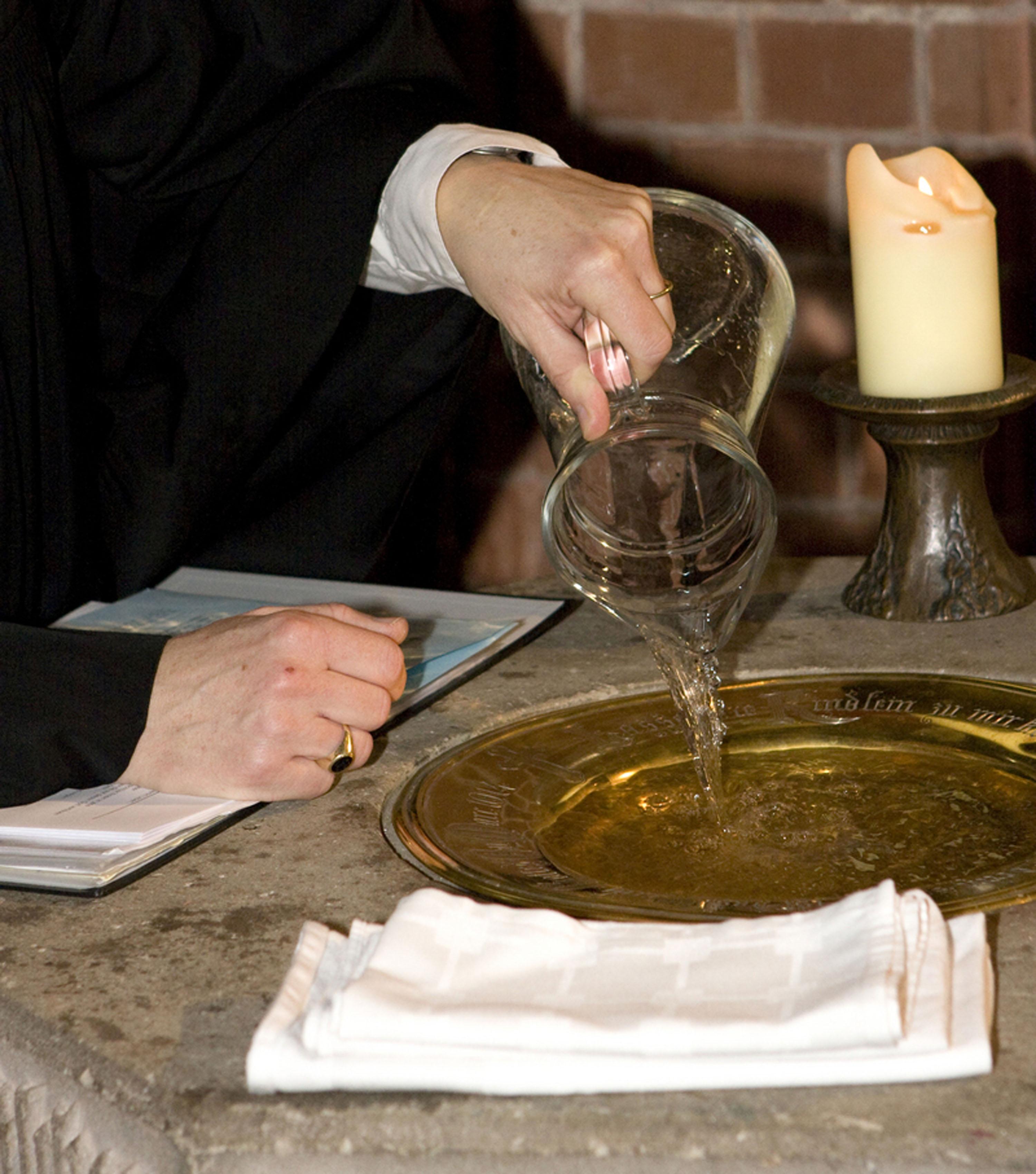 Taufe Und Patenamt Evangelischer Gemeindeverband Herten
